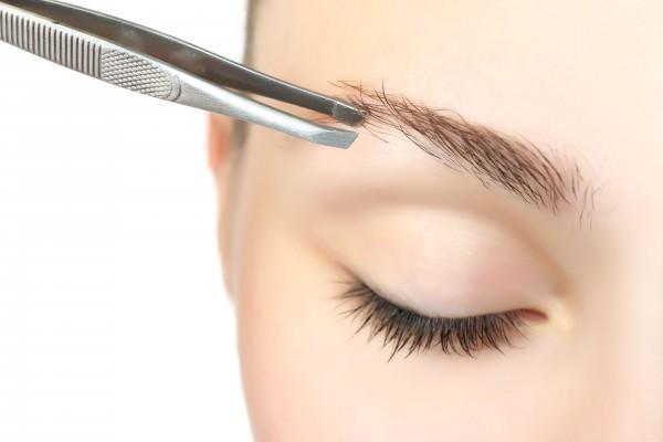 Wimpern und Augenbrauen - Ihr mobiler Friseur in Hamburg